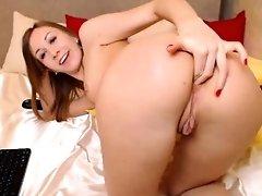 Perfect Teen Webcam Girl Masturbating